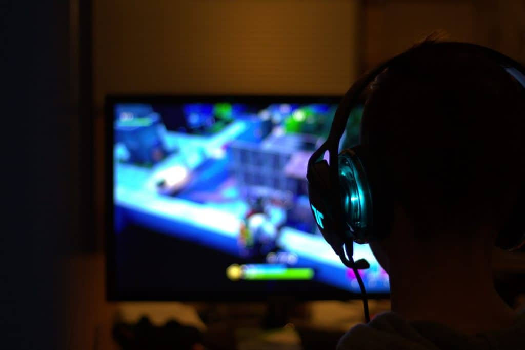 Buy Best Quality Popular Gaming Headset to Game with In 2020